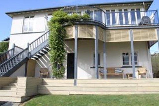 Riverton Beachfront Bed & Breakfast: Accommodation on lower level