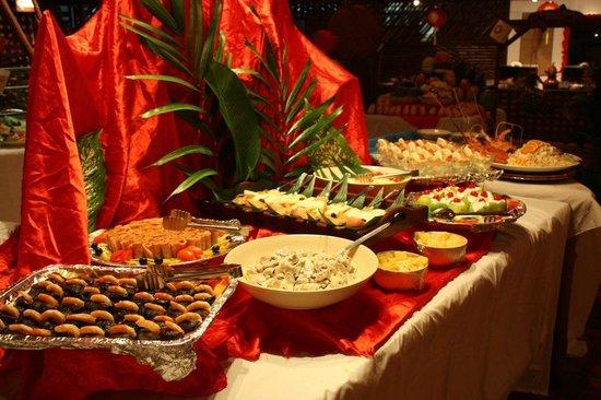 Sipadan Water Village Resort: Xmas Eve spread. Better than on most nights
