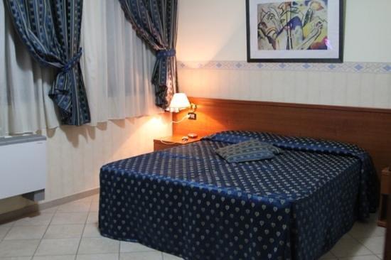 هوتل ترايانو: guest room at Hotel Traiano 