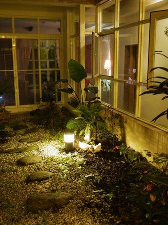 At-Home B&B: garden in the B&B