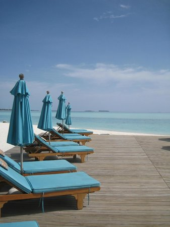 Anantara Veli Maldives Resort: Dighu pool
