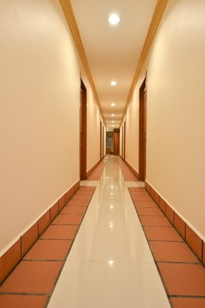 Golden House International: Hotel Interior