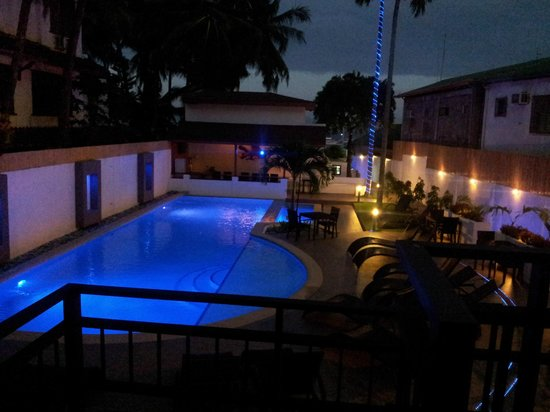 Out of the Blue Resort: Pool by night view from room