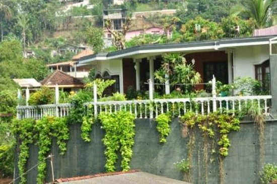 Kandy Greenview Hotel: front view