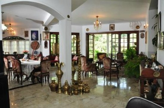 Kandy Greenview Hotel: Dining
