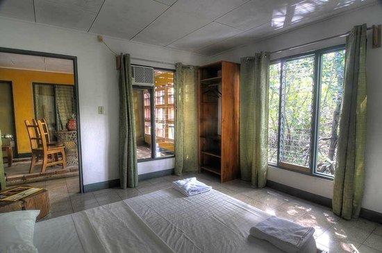 Il Giardino Beachfront Hotel : One of the 2/3 Guesta Rooms