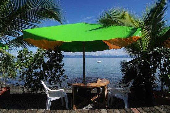 Il Giardino Beachfront Hotel: One of the Beach tables