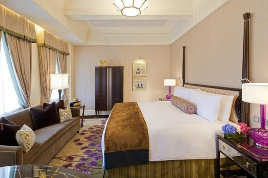 Shanghai Fairmont Peace Hotel Guestroom. Shanghai Fairmont Peace Hotel Guestroom   Picture of Fairmont