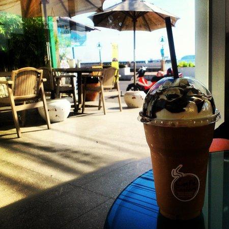 Kantary Bay, Phuket: kantary bay café!