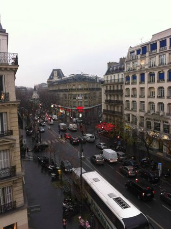 Ibis Paris Avenue de la Republique: View from the room (Walk down this street to reach Republique Station)