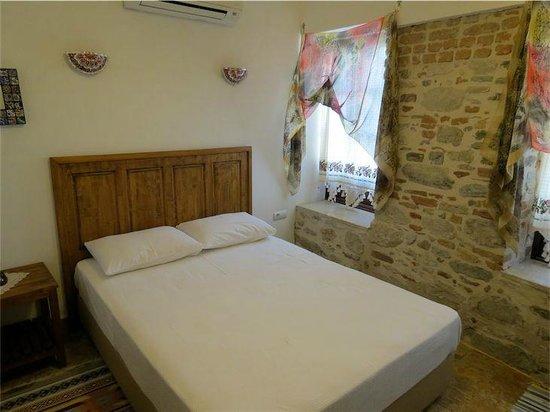 Nazhan Hotel & Cafe: Bedroom