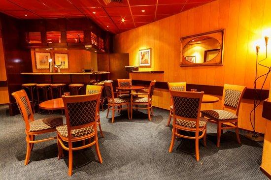 Hotel Herbergh Amsterdam Airport: bar