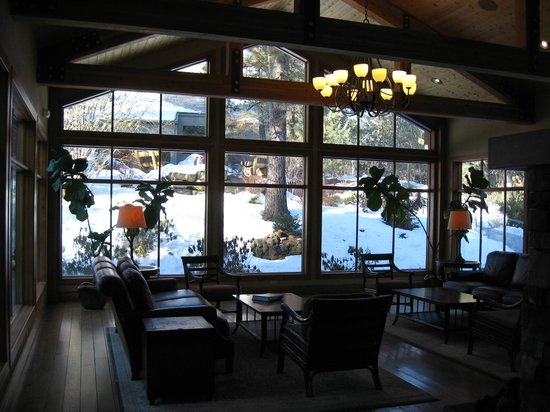 WorldMark Bend - Seventh Mountain Resort: Resort lobby