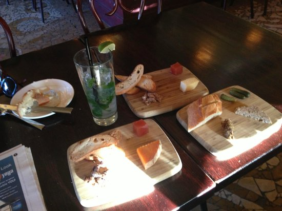 Rendez Vous Bistro: My Happy Hour items with Mojito