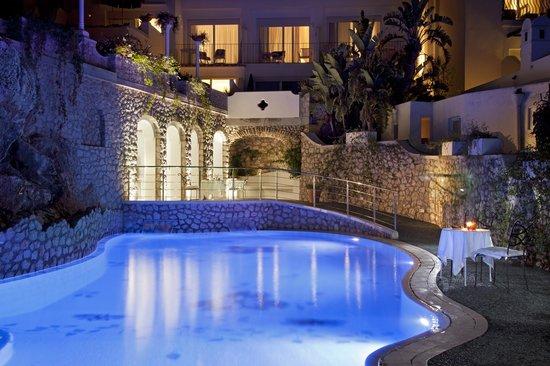 Hotel La Floridiana: la ns piscina di sera aperta