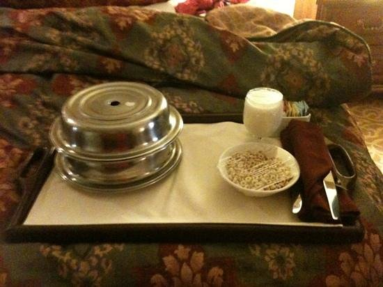 Chateau on the Lake Resort & Spa: room service!