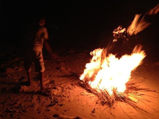 Ifja Inn: beach BBQ