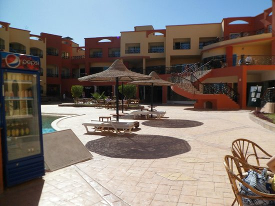 Le Mirage Moon Resort Marsa Alam: piscina