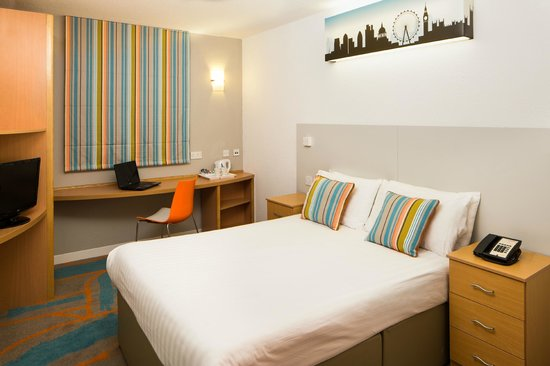 Ibis Styles London Excel: Our new bedroom