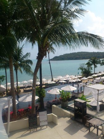 Anantara Lawana Koh Samui Resort: Pool and Beachside