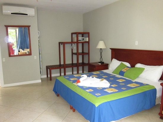 The Hideaway Hotel Playa Samara: Our King bedroom