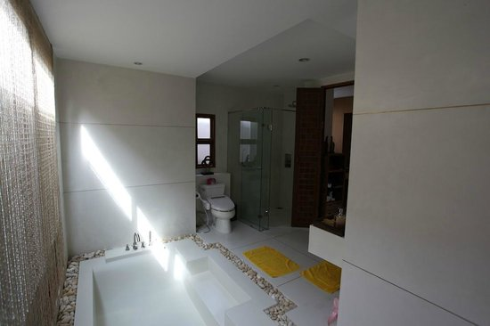 Tango Luxe Beach Villa : Salle de bains