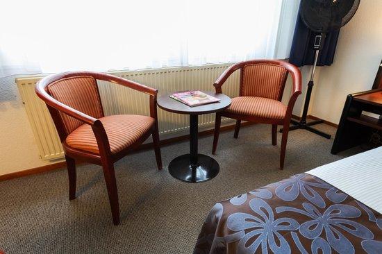 Hotel Herbergh Amsterdam Airport: standard room
