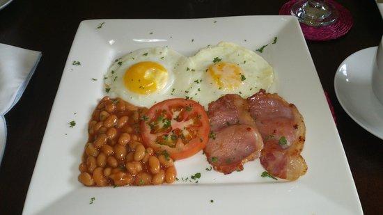 Silverstone Falls Lodge: Breakfast