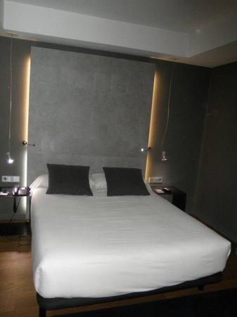 Hotel Zenit Conde de Orgaz: Habitación