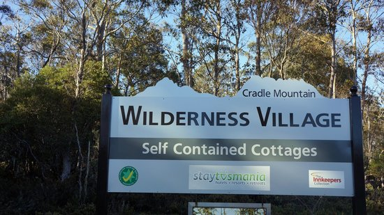 Cradle Mountain Wilderness Village: Entry to the property