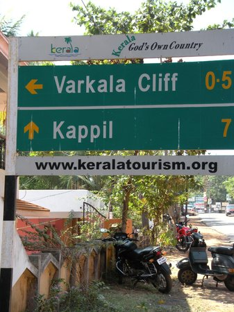 Hill View Beach Resort: Varkala Cliff