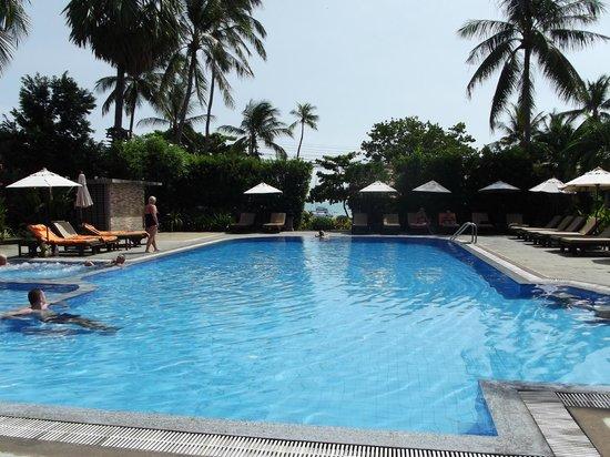 Smile House Resort : piscina