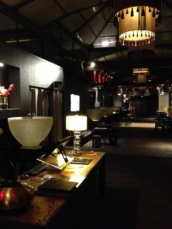 Pale: Restaurant Foyer