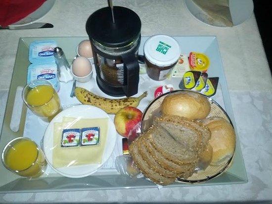 B&B Bariseele: Lecker Frühstück auf dem Zimmer