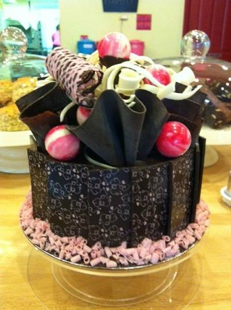 Dolly's: Chocolate cake
