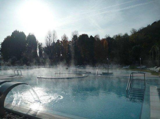 Piscine esterne la mattina picture of piscine - Piscine esterne ...