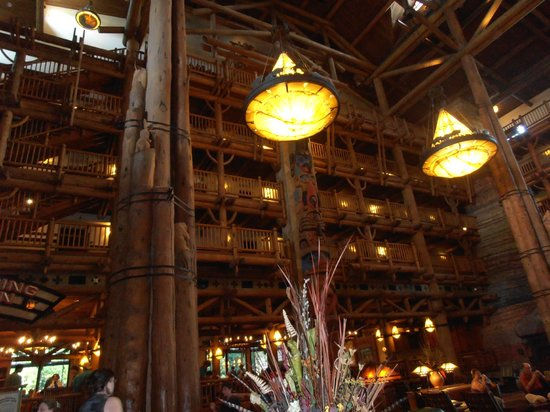 Whispering Canyon Cafe Breakfast Hours