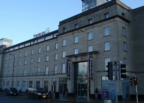 Premier Inn Edinburgh City Centre (Haymarket) Hotel: Hotel entrance