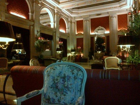 Hotel Avenida Palace: Sala bar per fumatori