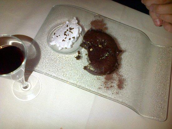 Etruscan Chocohotel: Tortino al cioccolato: voto 10!
