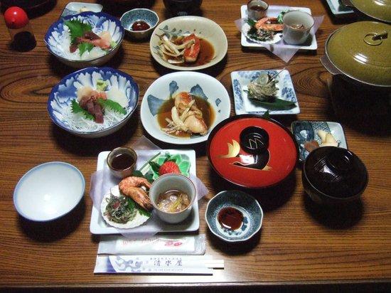 Shimizuya: 部屋食・さざえの壷焼き付き通常プラン