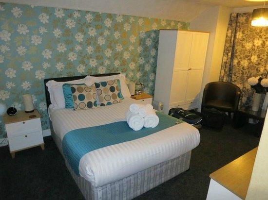 The Golden Fleece Inn: Room 3