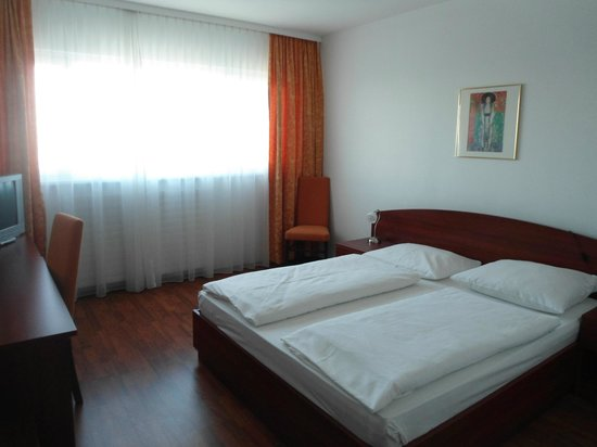 Airo Tower Hotel: Double room