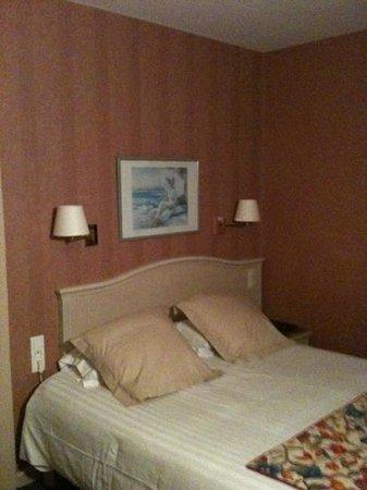 BEST WESTERN Le Duguesclin : chambre