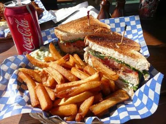 Stone Soup Cafe: Clubhouse and Fries at the Stone Soup