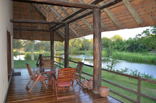 Sefapane Lodge and Safaris: Hotel Grounds