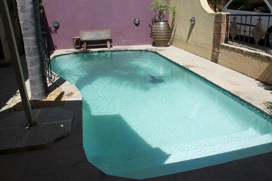 Hotel Pension Etambi : Swimming pool