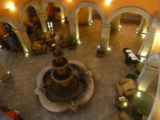 Hotel Morales Historical & Colonial Downtown Core: Vestíbulo / Recepción