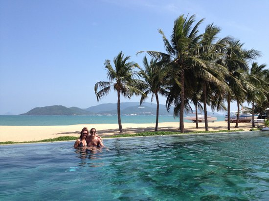 Evason Ana Mandara Nha Trang: The infinity pool at the Ana Mandara very lovely