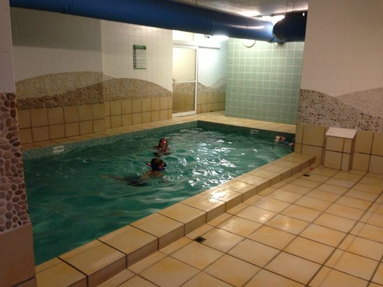 Indoor Pool Picture Of Ultiqa Beach Haven On Broadbeach Broadbeach Tripadvisor
